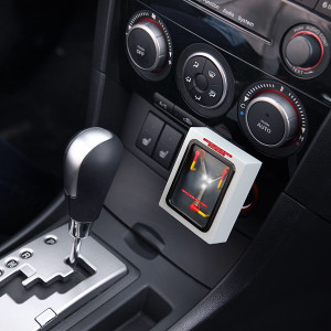 1dbd_flux_capacitor_car_charger_inuse
